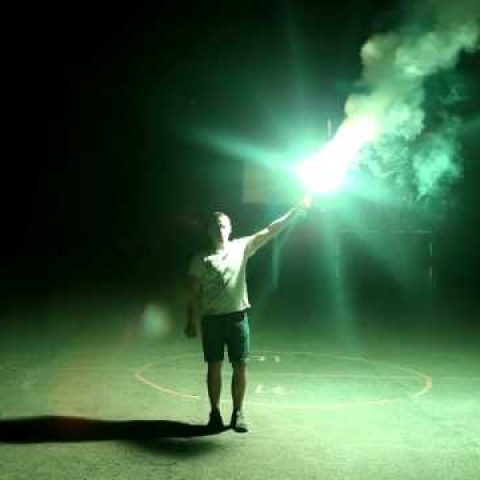 green hand flare