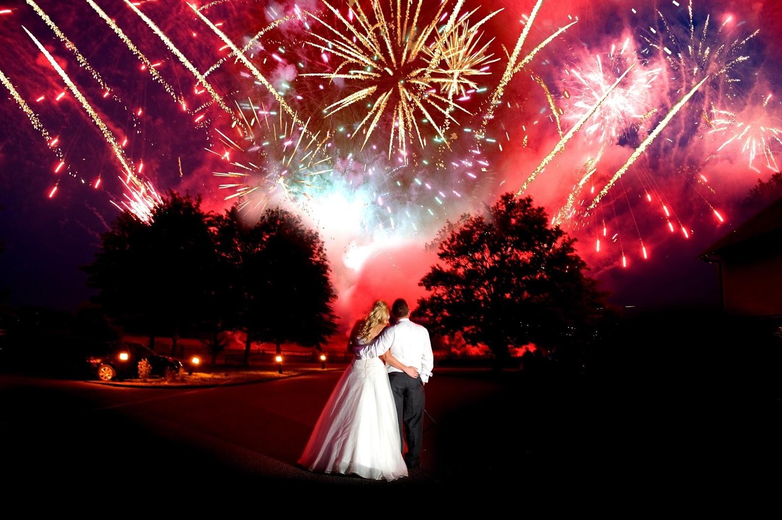 Картинки по запросу фейерверк  свадебный